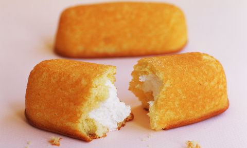 Three twinkles snack cakes